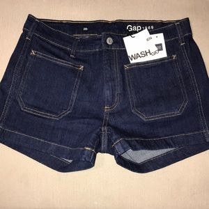 NWT Gap denim short size 28r with cute pockets
